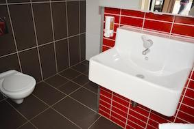 Deluxe-Cabins-ODeluxe Cabins Openplan Bimbipark Bathroom